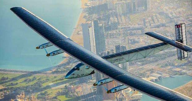 Solar Impulse 2 über Abu Dhabi © Solar Impulse | Stefatou | Rezo.ch 2
